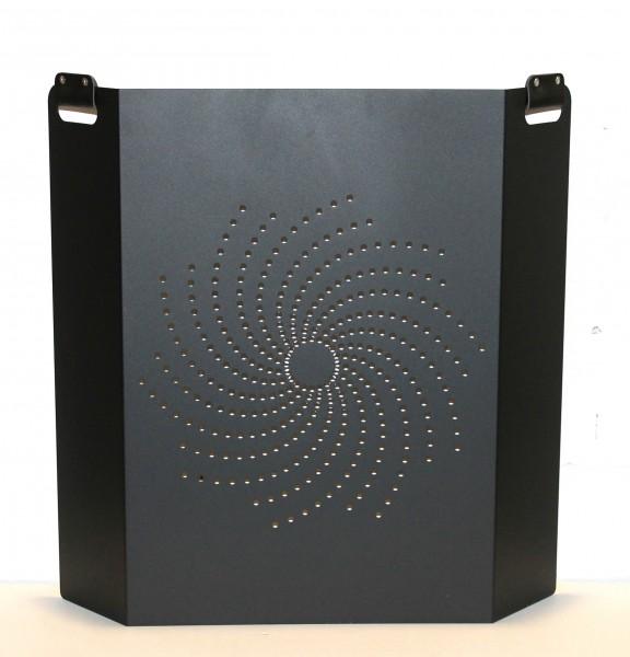 Funkenschutzgitter schwarz beschichtet, Grifflöcher mit Leder